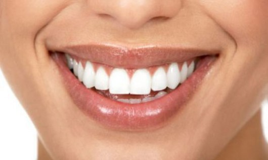 Salute dei denti: sbiancamento, pulizia e cura, nuovo progetto