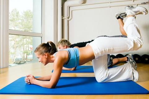 Programma allenamento casalingo: scarica esercizi per perdere peso