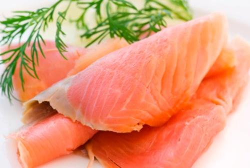 Natale e benessere: il salmone in conserva vince sul classico affumicato