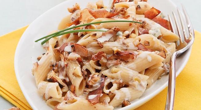 Pasta con speck, taleggio e noci ricetta Bimby