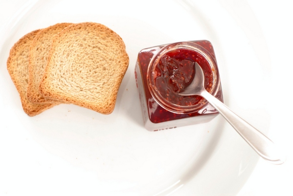 Food : delicious toasts with jelly .