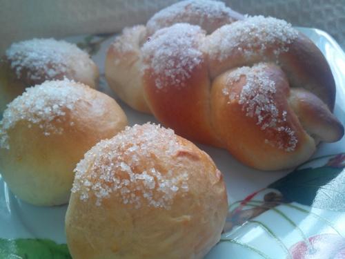 Brioche con lo zucchero a colazione: ricetta Bimby