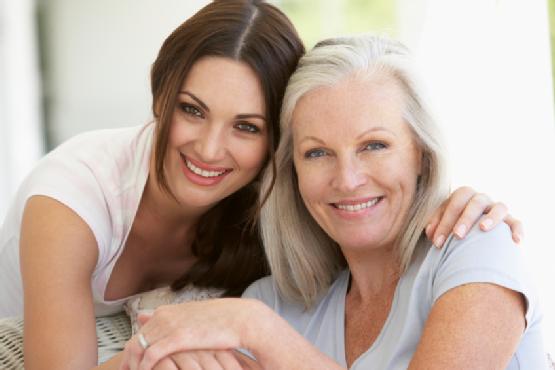 Ecco l'età in cui le donne iniziano ad assomigliare alle loro madri
