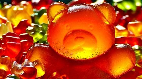 Diventa allergico a carne, latticini e orsetti gommosi: il motivo è incredibile
