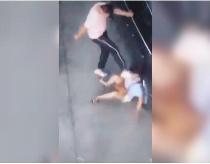 Aggredisce la ex con tre calci in faccia, ma per la polizia non le ha fatto nulla