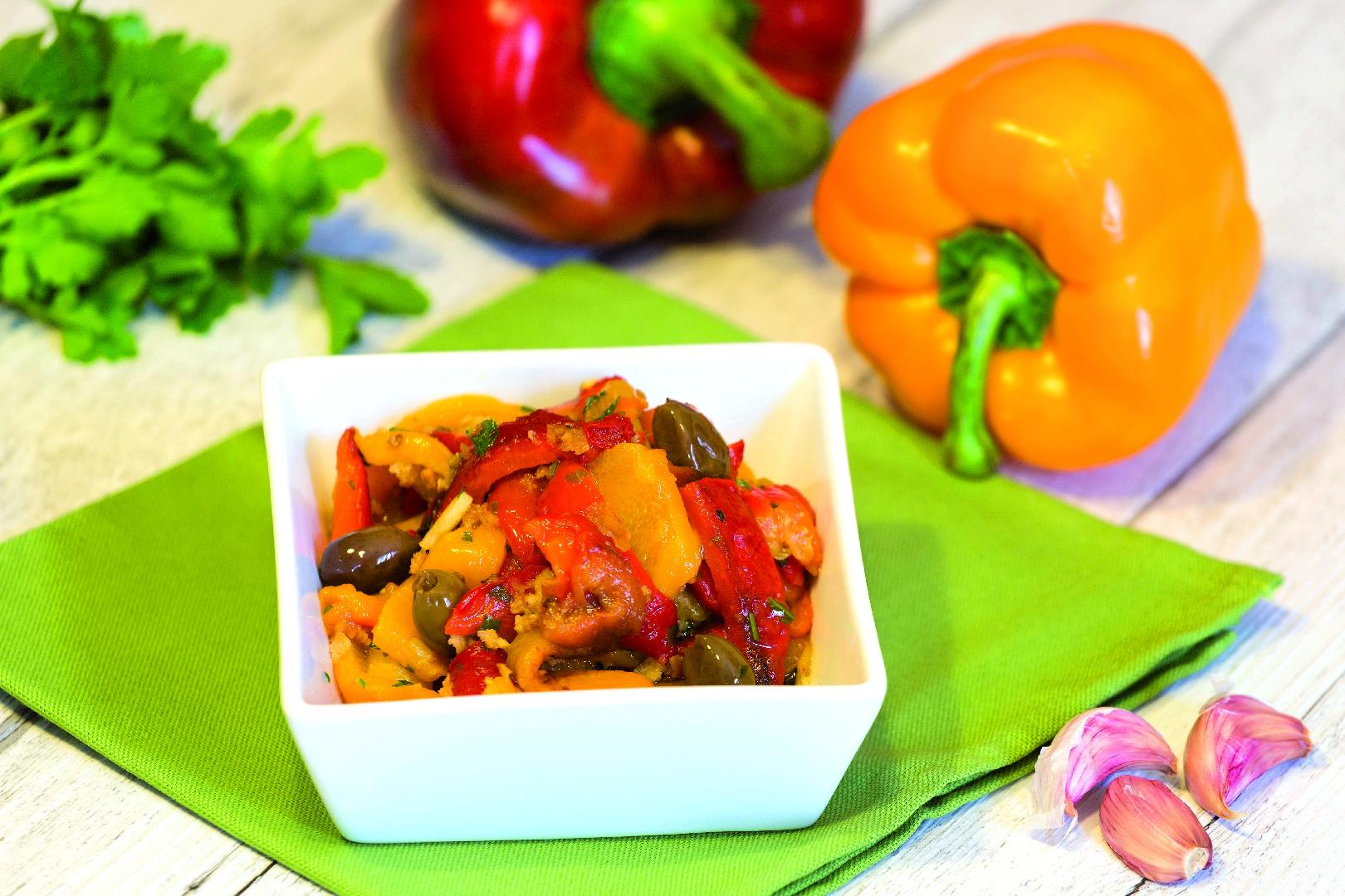 Peperoni con aglio e capperi: ricetta Bimby
